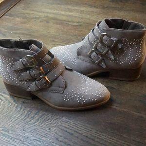 Boohoo grey booties